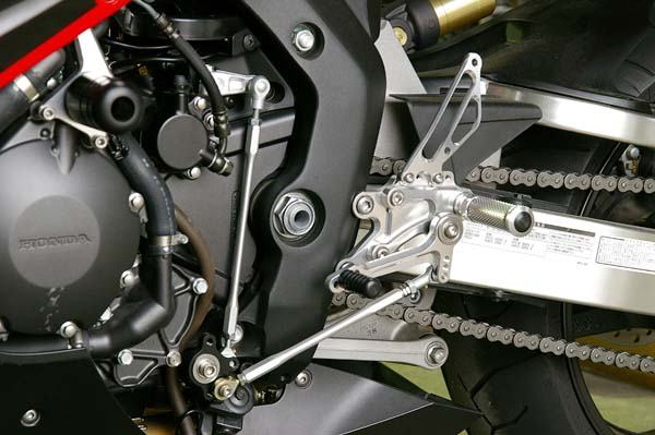 Sato Racing Rear Sets - #H-CBR1RS2-SV CBR 1000RR 04-07/Standard Or Reverse Shift/7 Positions/Silver Anodized