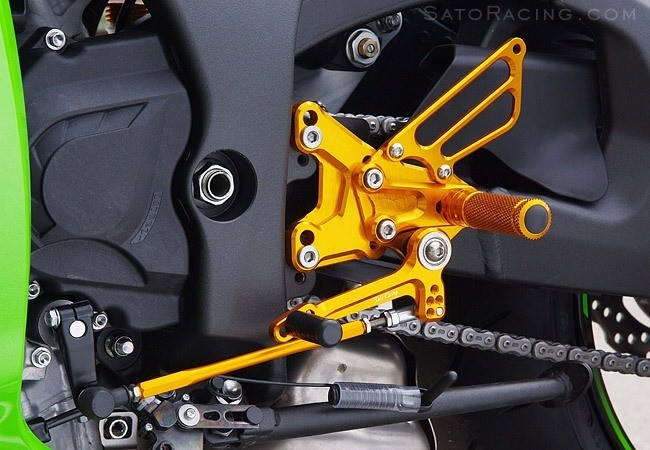 Sato Racing Rear Sets - #K-ZX1011RS-GD ZX 10R 11-15/Standard Shift Only/18 Positions (3x6)/Gold Anodized