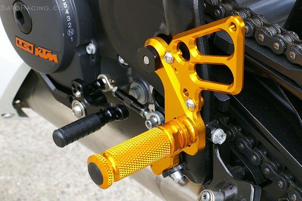 Sato Racing Rear Sets - #KTM-690RS-BK 690 Duke LC4 08-11/Standard Or Reverse Shift/4 Positions/Black Anodized